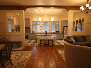 Luxury French Style Cottage Surrounded by Nature yet Close to Everything! - Brentwood Bay vacation rentals