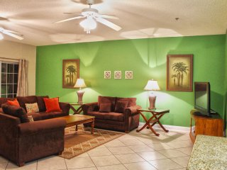Perfect House with Shared Outdoor Pool and Balcony - North Myrtle Beach vacation rentals