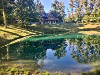 Secluded lodge with private fishing pond - Brookville vacation rentals