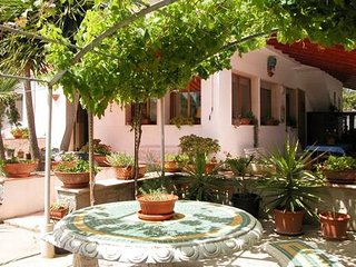 VILLINO ESPOSITO - Mansion with 3 rooms in MENFI, with enclosed garden and WiFi - Menfi vacation rentals