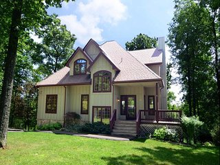 6 bedroom House with Internet Access in McHenry - McHenry vacation rentals