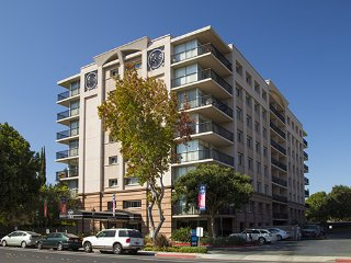 Convenient 2 bedroom apt very close to Stanford and right in downtown Palo Alto - Palo Alto vacation rentals