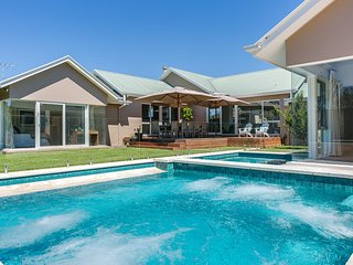 Adorable 4 bedroom Blairgowrie House with A/C - Blairgowrie vacation rentals