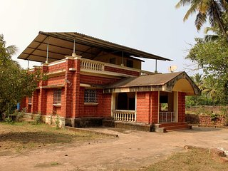 2 bedroom Bungalow with Television in Malgund - Malgund vacation rentals