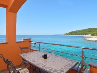 Charming Condo in Cove Zarace (Milna) with A/C, sleeps 4 - Cove Zarace (Milna) vacation rentals