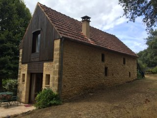 Comfortable House with Internet Access and Satellite Or Cable TV - Veyrignac vacation rentals