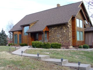 Luxury Home with hot tub on Patoka Lake Indiana - Eckerty vacation rentals