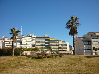 Apartment in Agde with Parking, Balcony, Washing machine (110505) - Agde vacation rentals