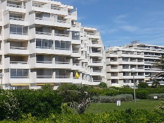 Apartment in Canet-en-Roussillon with Lift, Parking, Terrace, Washing machine - Canet-en-Roussillon vacation rentals