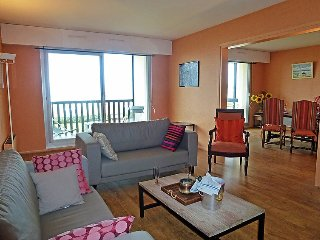 Apartment 636 m from the center of Benerville-sur-Mer with Internet, Parking - Benerville-sur-Mer vacation rentals