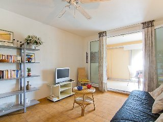 Apartment in Fréjus with Terrace, Lift, Parking, Washing machine (323429) - frejus vacation rentals