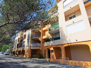 Apartment in Fréjus with Terrace, Lift, Parking (323825) - frejus vacation rentals