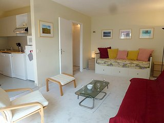 Apartment 486 m from the center of Benerville-sur-Mer with Lift, Parking - Benerville-sur-Mer vacation rentals