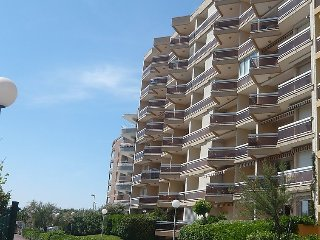 Apartment in Canet-en-Roussillon with Lift, Parking, Terrace (502483) - Canet-en-Roussillon vacation rentals