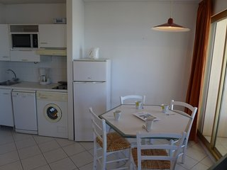 Apartment in Fréjus with Terrace, Lift, Balcony, Washing machine (529403) - frejus vacation rentals