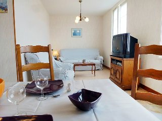 Villa 234 m from the center of Benerville-sur-Mer with Parking, Garden, Washing - Benerville-sur-Mer vacation rentals