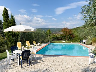 Borgo Tranquilitta - IL SOLE - Family Cottages in Tuscany with pool. - Castiglion Fiorentino vacation rentals