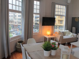 ROYAL apartment - PEOPLE RENTALS - San Sebastian - Donostia vacation rentals