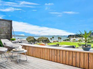Charming Condo with Deck and Internet Access - St Heliers vacation rentals