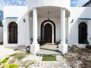 4 bedroom Villa with Internet Access in Playa Paraiso - Playa Paraiso vacation rentals