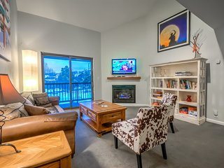 Top Floor Spacious Condo Less Than 3 Blocks From Gondola - Steamboat Springs vacation rentals