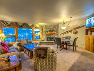 Gorgeous Condo Steps From Gondola - Steamboat Springs vacation rentals