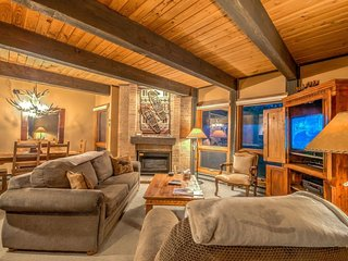 Luxury Ski Condo Next To Steamboat Gondola - Steamboat Springs vacation rentals