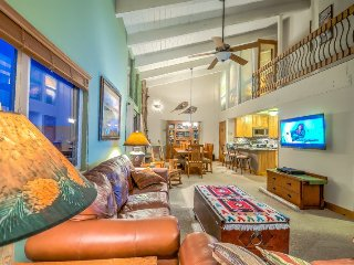 Beautifully Finished Slopeside 3 BD/3BA Top Floor Condo - Steamboat Springs vacation rentals