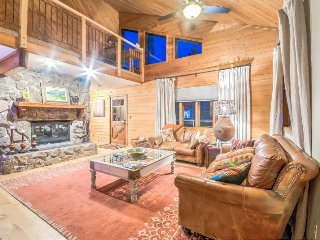 Pet Friendly Home On The Creek, Private Hot Tub, Privacy - Steamboat Springs vacation rentals