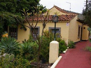 Casa Rural Las Grutas 2 - Online - Santa Brigida vacation rentals