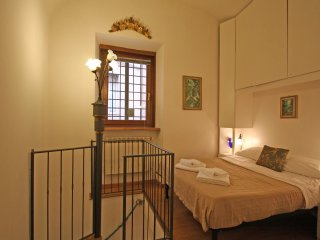 Nice Condo with Internet Access and A/C - Roma vacation rentals
