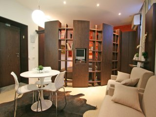Charming Roma Apartment rental with Internet Access - Roma vacation rentals