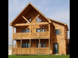 Family Paradise w Waterpark, Paintball, & Skatepark - Warrens vacation rentals