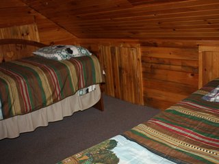 Bee Cliff Cabins- cozy cabin located on the Watauga River - Elizabethton vacation rentals