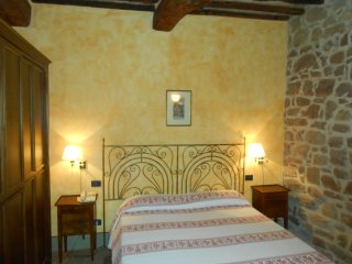 Bright 4 bedroom Bastia Umbra Apartment with Internet Access - Bastia Umbra vacation rentals