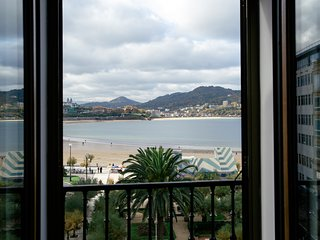 ALDERDI EDER apartment - PEOPLE RENTALS - San Sebastian - Donostia vacation rentals
