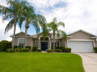 Bridgewater Villa Gorgeous 4 Bedroom 3 Bath with Over sized Pool - Davenport vacation rentals