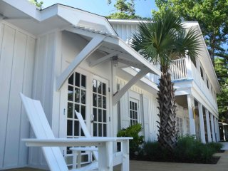 Little Point Clear   The Polo Bunk - perfect suite for family gatherings - Fairhope vacation rentals