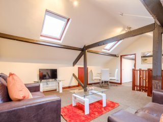 Romantic 1 bedroom Norwich Apartment with Internet Access - Norwich vacation rentals