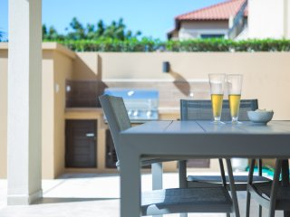 Goldcoast Townhouse -2 bd-2 bath-Next to clubhouse - Malmok Beach vacation rentals
