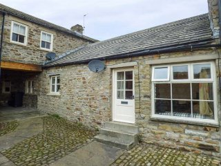 KINGS STUDIO, ground floor character cottage, WiFi, cosy accommodation, Reeth - Reeth vacation rentals
