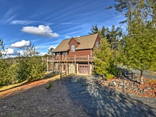 NEW! 4BR Boone Area Cabin in the Blue Ridge Mtns! - Fleetwood vacation rentals