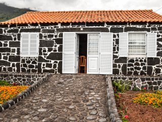 Ocean - Casa do Porto das Baixas - Madalena vacation rentals