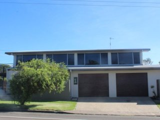 1 Rowell Street Battery Hill, QLD - Dicky Beach vacation rentals