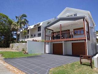 The Lake House Moffat Beach QLD 4551 - Dicky Beach vacation rentals