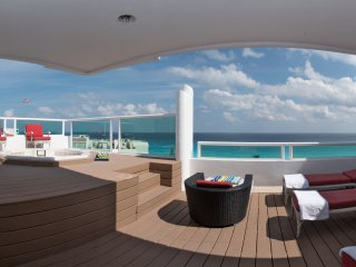 Beachfront 4 Bedroom Penthouse - Oceanview Private  Jacuzzi - 12 people- B3408 - Cancun vacation rentals