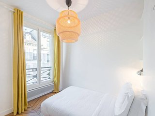 Charming & Luminous 2bd for 3p close to Montmartre - Paris vacation rentals