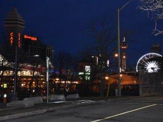 Walk to Niagara Attractions - Niagara Falls vacation rentals