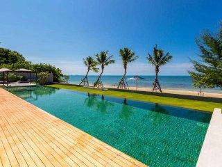 Gorgeous Villa with Internet Access and Hot Tub - Ban Bang Makham vacation rentals