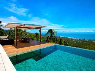Bright Villa with Internet Access and Fitness Room - Ban Bang Chakreng vacation rentals